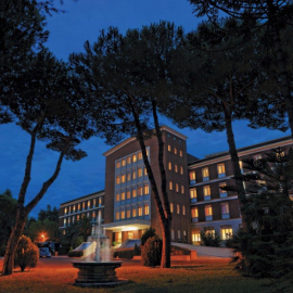 GREEN PARK HOTEL PAMPHILI****